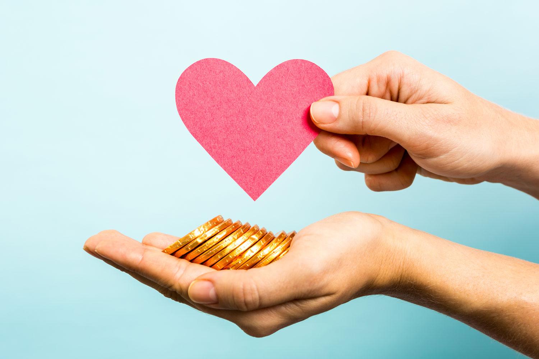 Ist eine seriöse Partnervermittlung ihr Geld wert oder reichen kostenlose Dating-Portale aus, um die große Liebe zu finden?